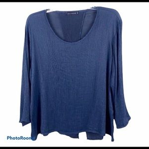 Cut Loose navy Split back blouse top Med.